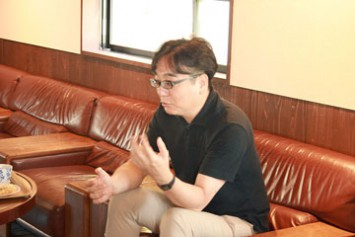 当時の様子を知る専務理事の石田涼さん