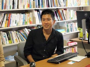 新しい国際協力のあり方を話す神谷先生