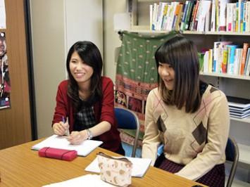 参加した3回生の木舩さん(左)と豊永さん(右)。「対応力や行動力が身についたと思う」