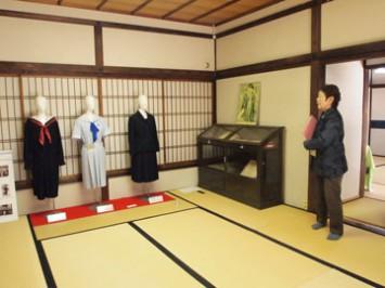 平安女学院は日本で初めてセーラー服を制服に導入
