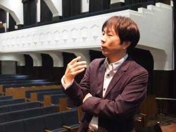 今回の実験的な試みについて話す伊藤雄一先生