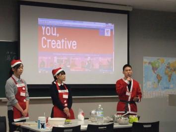 スタッフとして運営に携わったゼミの学生たち。右から忠田さん、宇山さん、松本さん