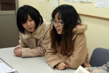 サードプレイス学生スタッフ・西村さん(左・3年次生)と今井さん(右・3年次生)