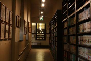 館内は落ち着いており、マンガを読むには最適の雰囲気