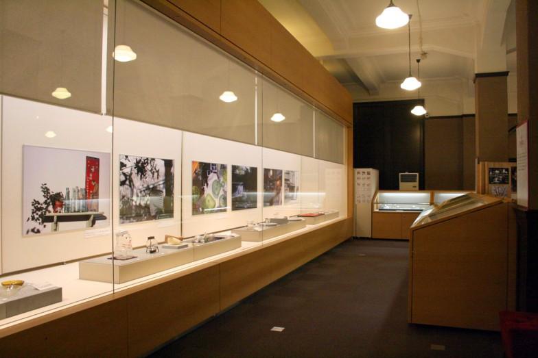 工業品だけでなく、骨董的価値の高いガラス製品も展示されています。