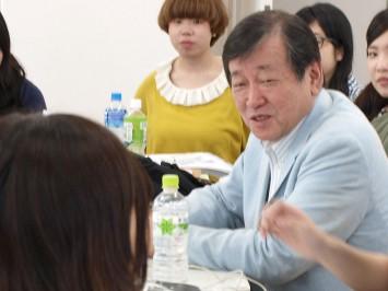 長谷川 郁夫教授(文芸学科 学科長)