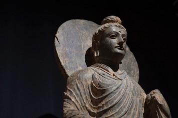 ローマ彫刻のようなガンダーラの仏像