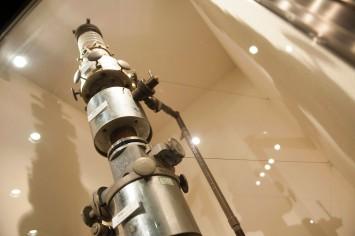 1939年製作の電子顕微鏡。日本の重要科学技術資料に認定されている