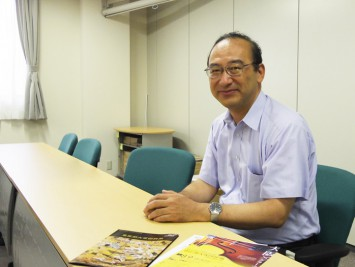 関西大学文学部総合人文学科の黒田一充教授