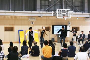 ストリートダンスサークル「R.D.C.」によるダンスパフォーマンス
