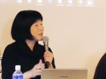 ゲストの藤本由香里先生(明治大学国際日本学部教授)マンガ文化論・ジェンダー論、マンガの国際比較などが専門。