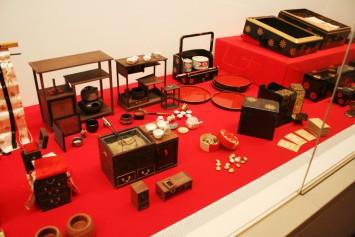 廣岡家伝来の道具飾りの一部