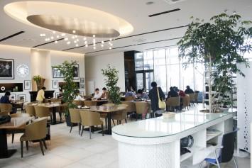 大学の食堂と思えないオシャレ空間!