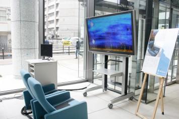 座るだけで心拍数などが測れるバイタルチェアとそれを利用したゲーム。こちらも体験可能