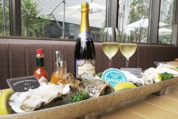 牡蠣とワインを一緒に