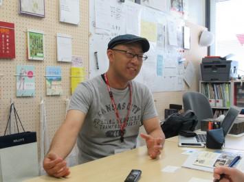 取り組みについて話す赤澤清孝准教授