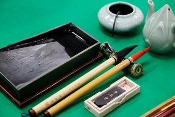 添削のお道具。「道具はいいものを」自分にあったものを大切に使う、その思いは受講者にも伝えているそうです