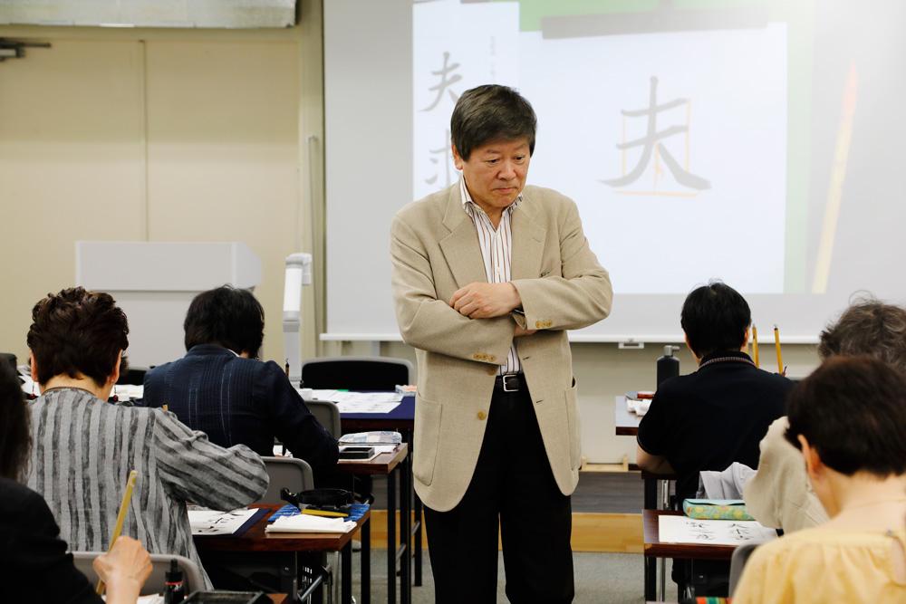 静かな教室に響く先生の一言一言、それはみな受講者の心に深く伝わっているようです