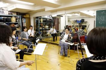 人気講座のひとつ劉先生の二胡講座、遠く名古屋や長野から通われている生徒さんもいらっしゃるとか。