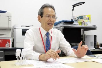 大阪工業大学ロボティクス&デザイン工学部の大松教授