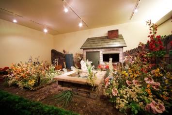 絵本に登場する庭の風景を再現したジオラマは子どもに人気の撮影ポイント。