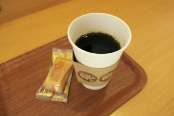 コーヒーとフィナンシェでひと休み