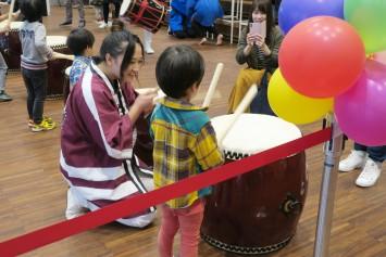 和太鼓体験は子どもたちに大人気