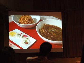 左上が「長沙風酸菜炒飯」、左下が「花煎(ファジョン)」、右が「長沙風酸菜炒飯」