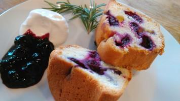 ブルーベリーを使ったパンやケーキも盛り沢山