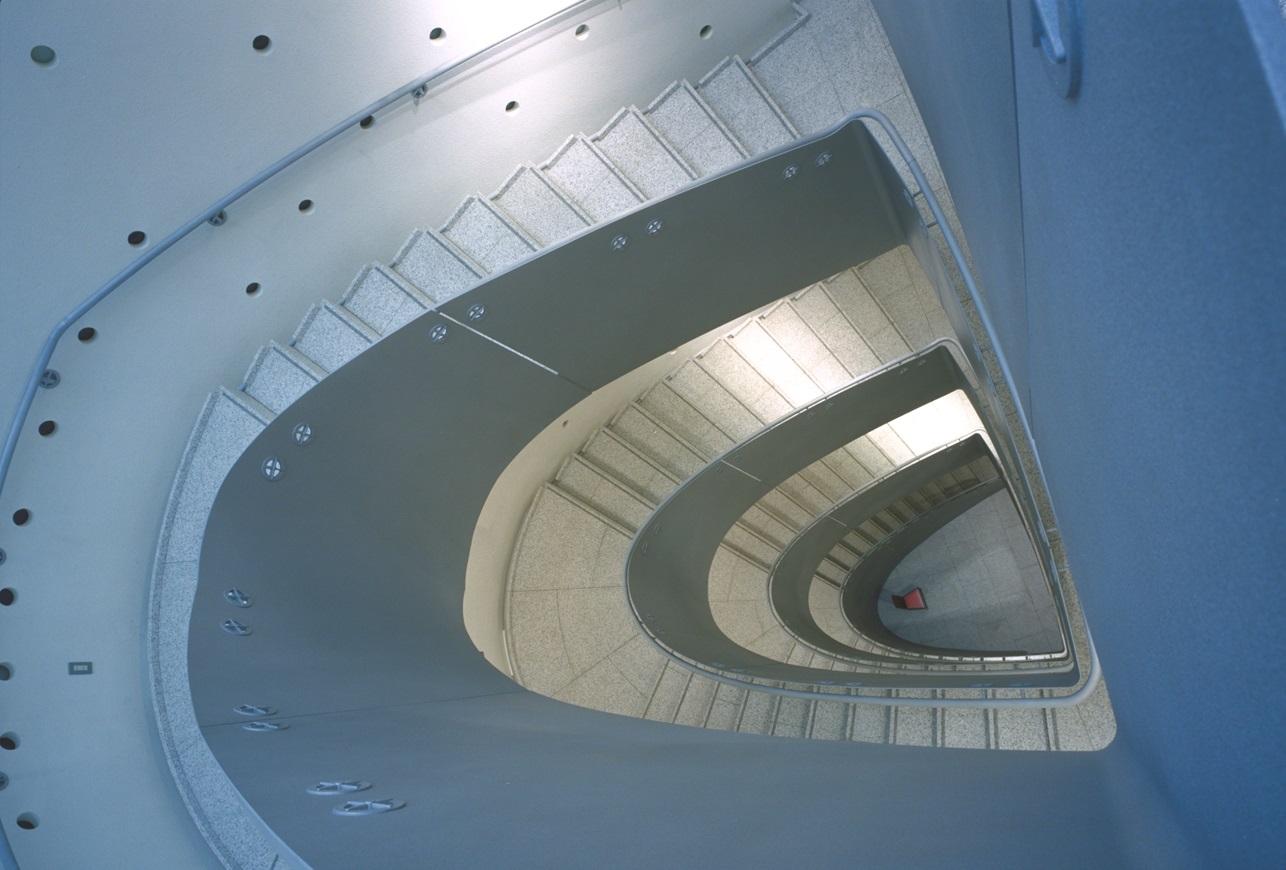 藝大美術館螺旋階段 3M