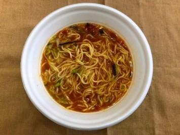 トマトで真っ赤なスープはすっきりだけど奥深い味