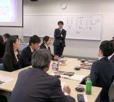 交流会は終始和やか。学生から鋭い質問が飛ぶことがあれば、会社側から今の若者の感覚を聞くシーンもあった。