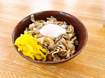 豚玉丼420円