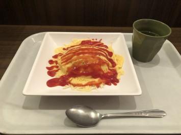 チーズインオムライス430円