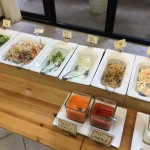 訪ねたときは10種類のサラダがありました。
