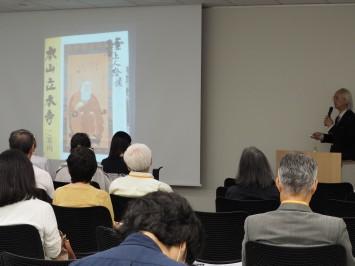 墓中で生まれたと言われる京都・立本寺の高僧・第二十世日審上人。過去帳によると1666年(寛文6年)に亡くなっている。リアルです