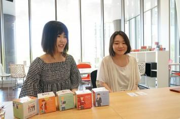 塚本さん(左)と仁部さん(右)。二人は同大の学生広報隊としても活動