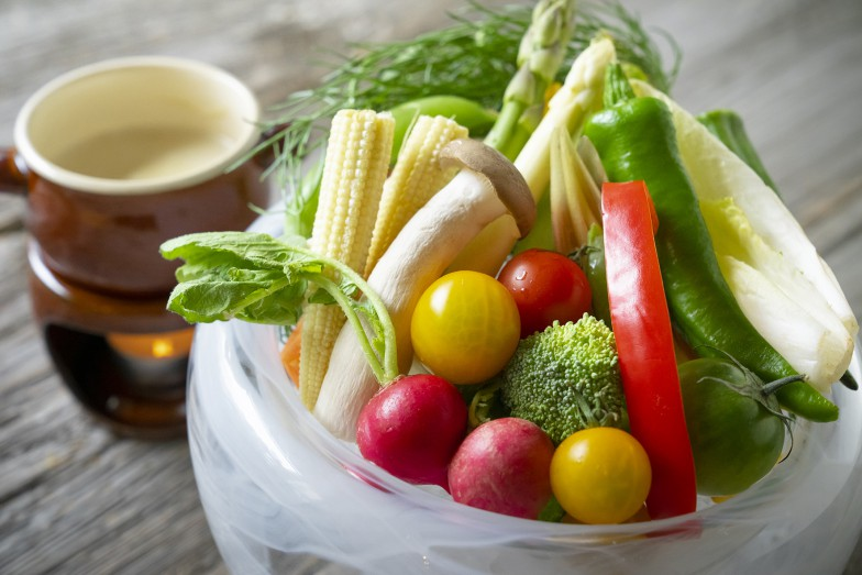 Bio野菜のバーニャカウダは、ディナーの人気メニュー