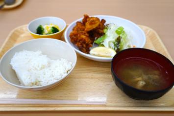 鶏揚げ定食(400円)