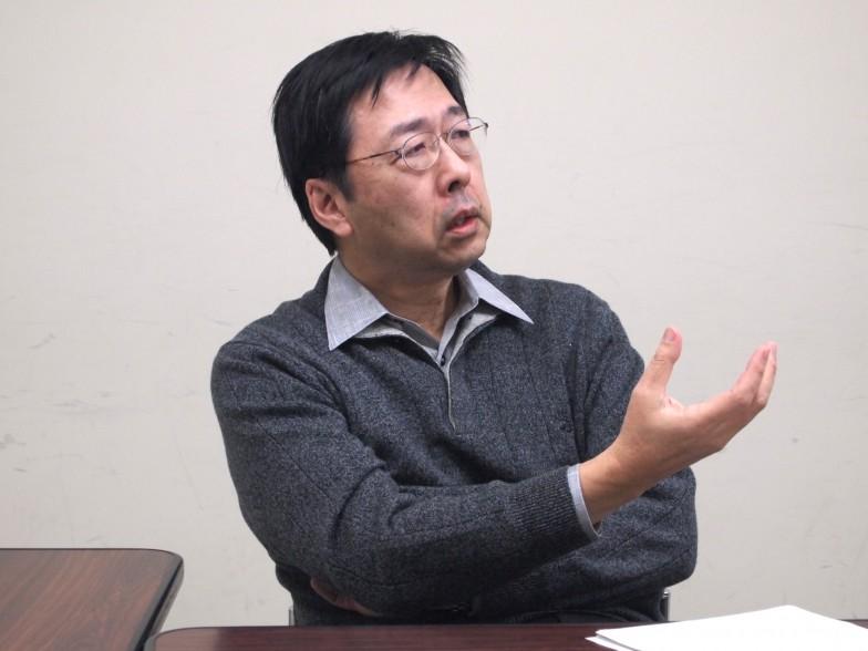 日本語学者の金水 敏先生。子ども時代に好きだったアニメは『鉄腕アトム』