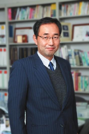 前田佳伸教授(電気電子工学科)