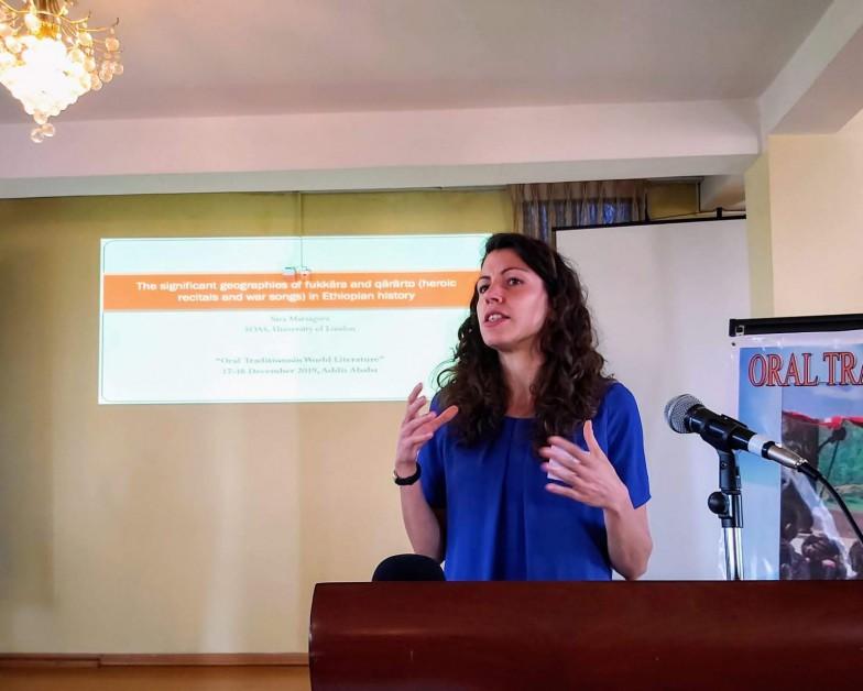 ロンドン大学キングス・カレッジのサラ・マルザゴラ博士。エチオピア・アディスアベバで開かれた「世界文学における口承の伝統」に関する学術会議での講演
