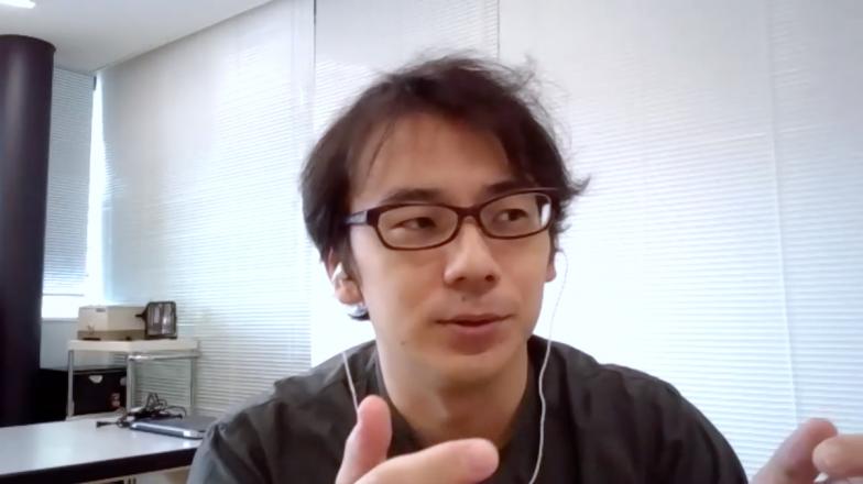Zoomでインタビューに答えてくださった佐川先生。「惑星研究は欧州では天文学の基礎にもなったものですが、日本の場合、特に惑星大気の研究は地球の大気や磁気圏の研究から発達したという側面もあり、両者の違いも面白いです」