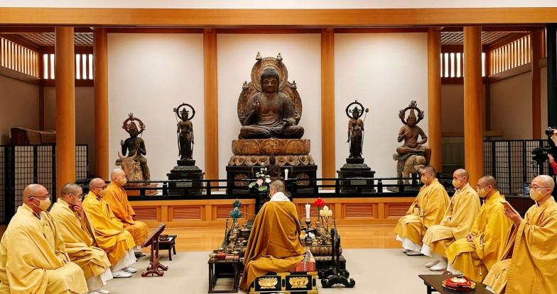 2021年2月8日、醍醐寺にてとり行われた初めての宇宙法要。新型コロナ禍と世界の安穏、そしてこの日までに寄せられた宇宙祈願101件の成就を祈願した