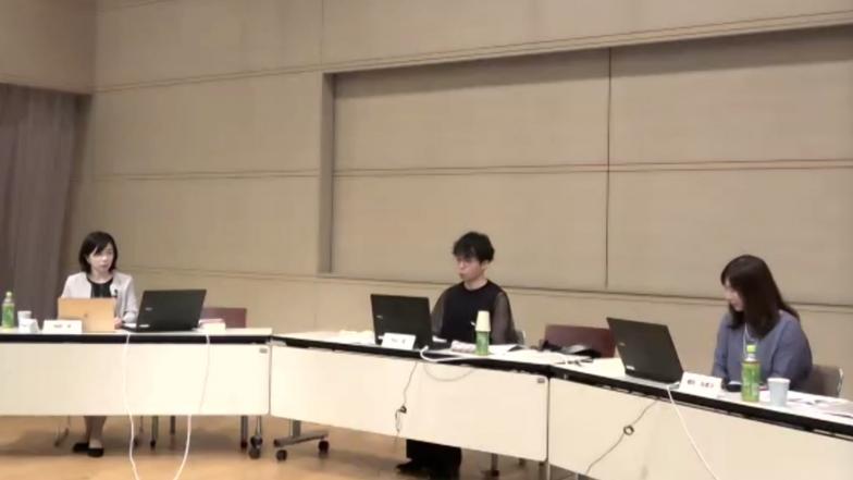 右から横田さん、平山さん、モデレーターの柳原恵さん(立命館大学産業社会学部准教授)